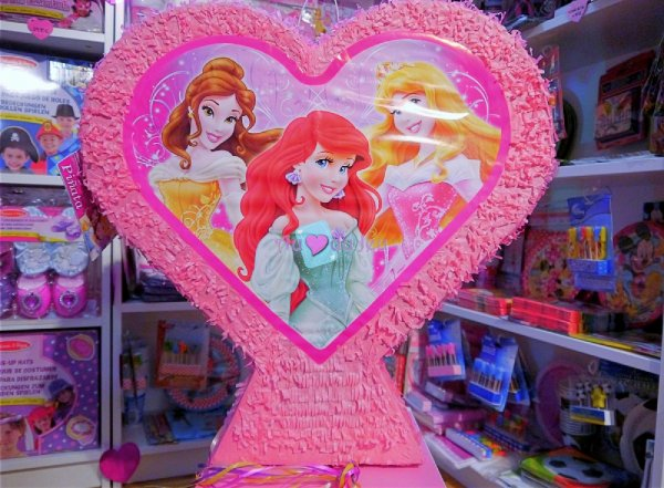 Piñata Princesses Disney